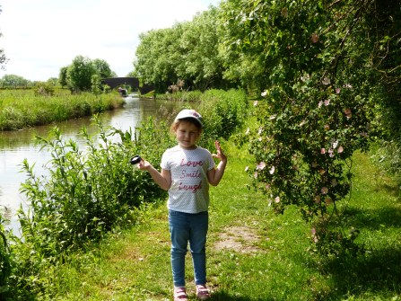 Amelia beside the Ashby-de-la-Zouch Canal